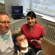 Zahnarzt Gollnow aus Bochum behandelt Ihre Zähne.